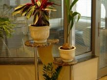 Подставка из мрамора под цветы